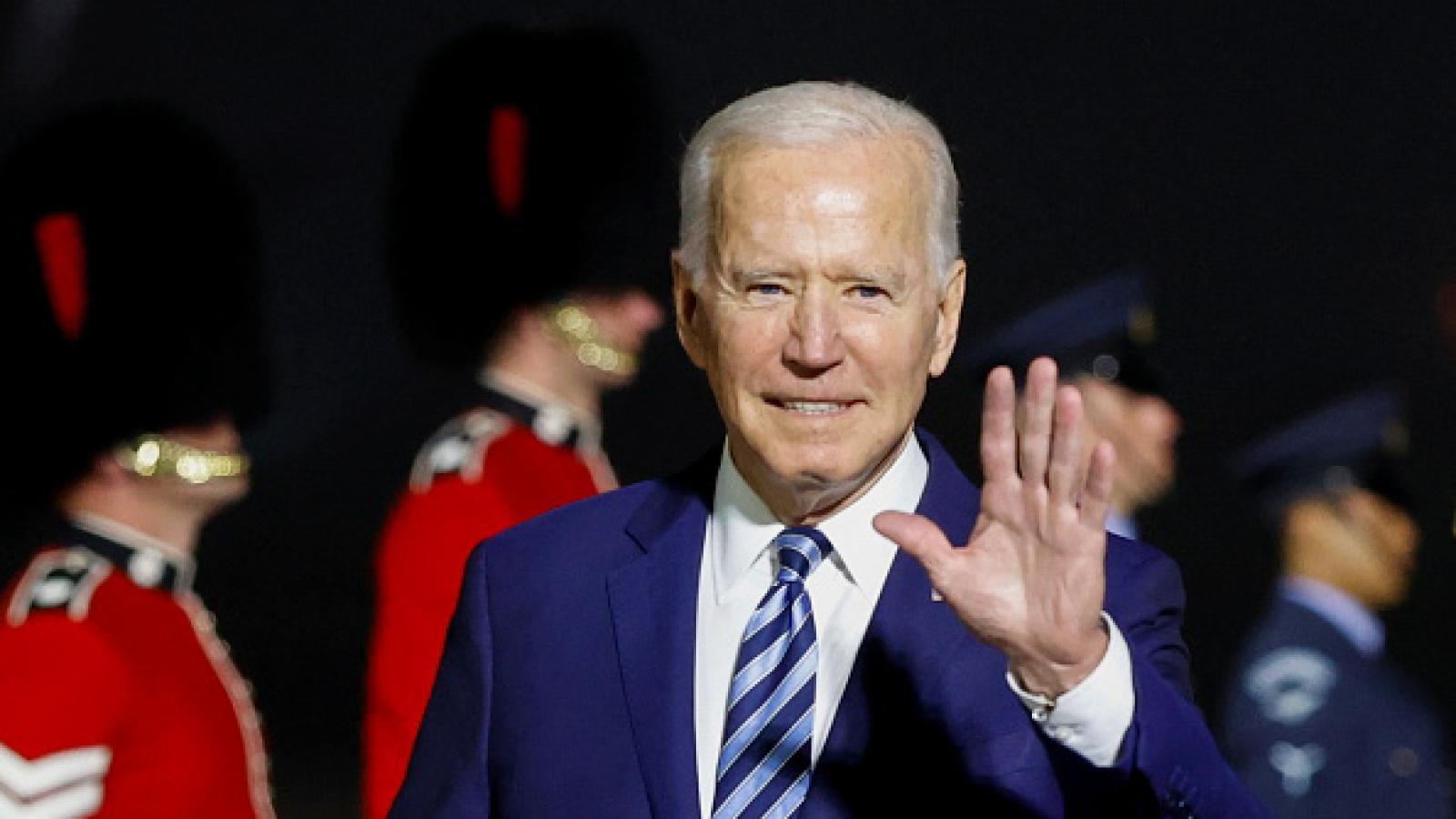 Video: Tổng thống Biden đặt chân đến Anh, bắt đầu chuyến công du nước ngoài đầu tiên