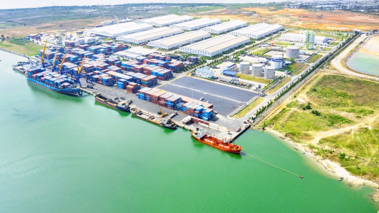 Cảng Chu Lai - Cửa ngõ xuất khẩu hàng hóa mới tại miền Trung