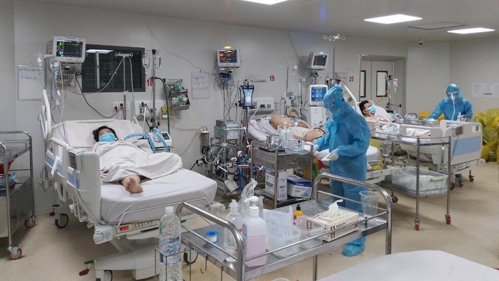 Bệnh viện Bệnh Nhiệt đới TP.HCM điều trị 32 người mắc Covid-19 nặng