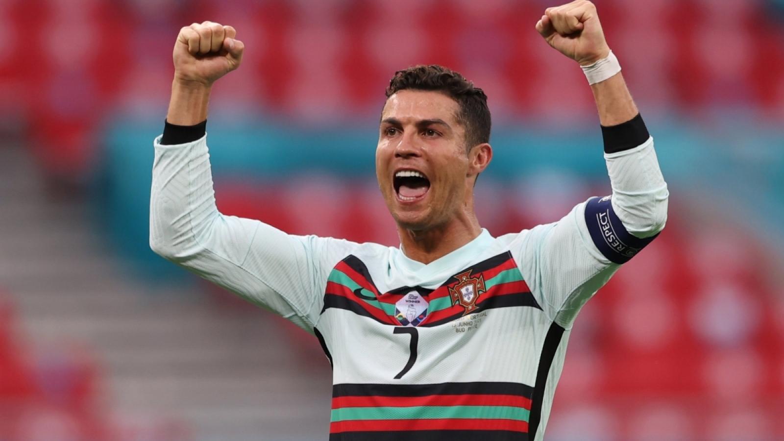 Trực tiếp Bồ Đào Nha - Đức: Ronaldo toàn thua trước người Đức