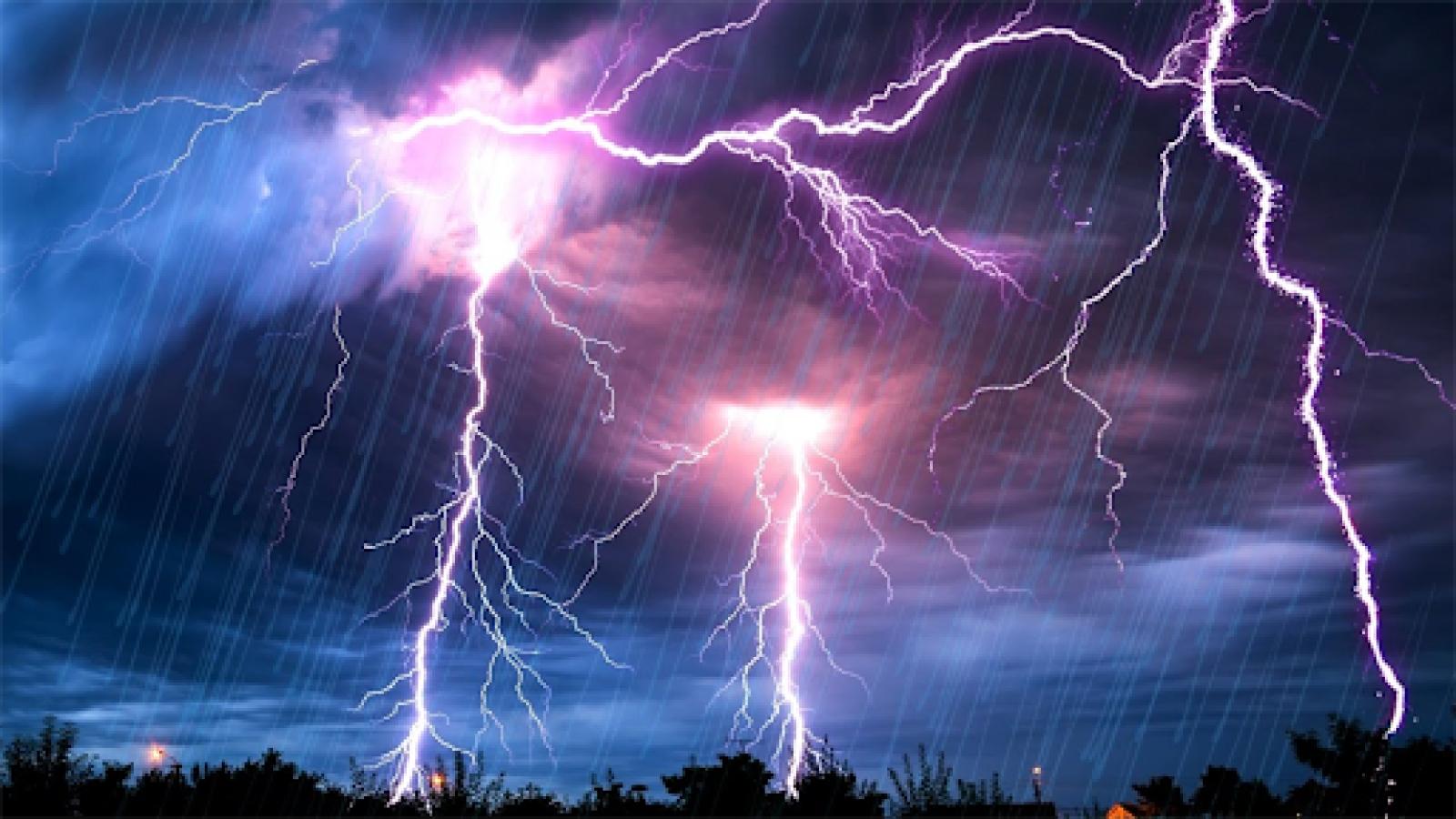 Thời tiết hôm nay 5/6: Miền Bắc mưa rào, nguy cơ xảy ra lốc và sét