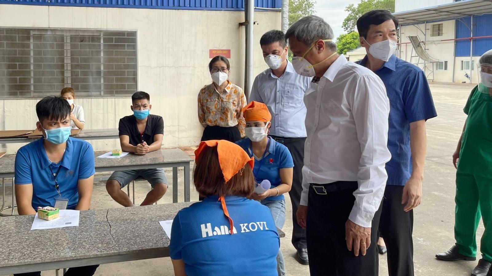 5.500 công nhân ở huyện Tân Yên, Bắc Giang đã được tiêm vaccine COVID-19