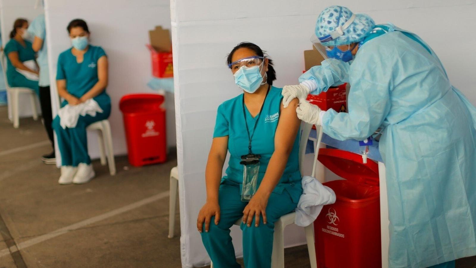 """Lý do Trung Quốc """"cược lớn"""" vào ngoại giao vaccine ở Mỹ Latin"""
