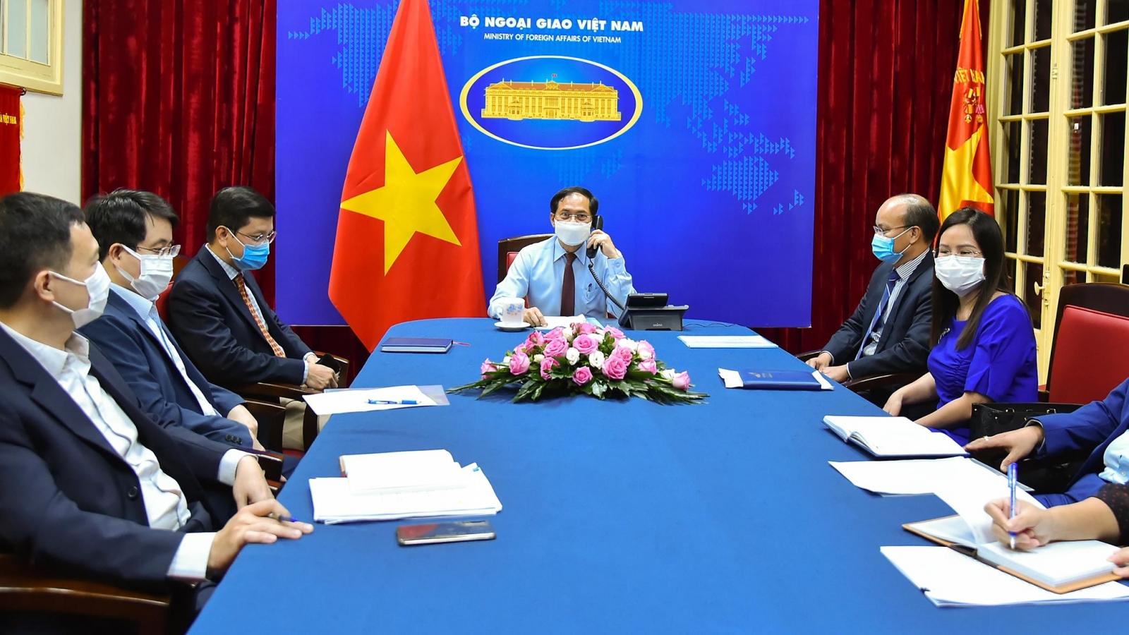 Canada khẳng định lại cam kết hỗ trợ Việt Nam tiếp cận vaccine chống Covid-19