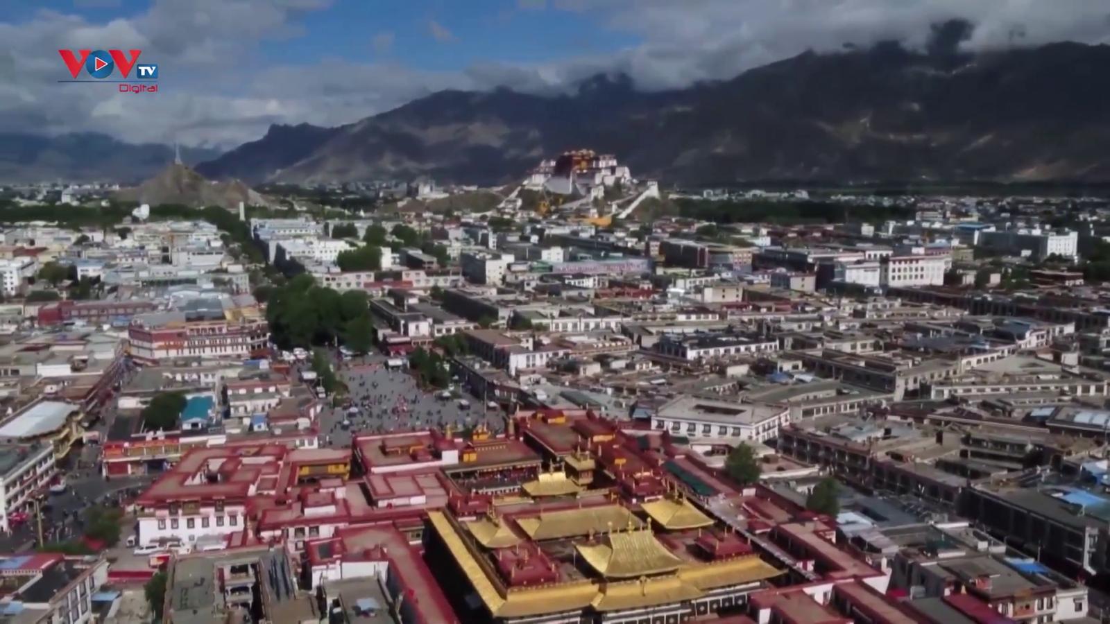 Vẻ đẹp của thành phố Lhasa, khu tự trị Tây Tạng, Trung Quốc