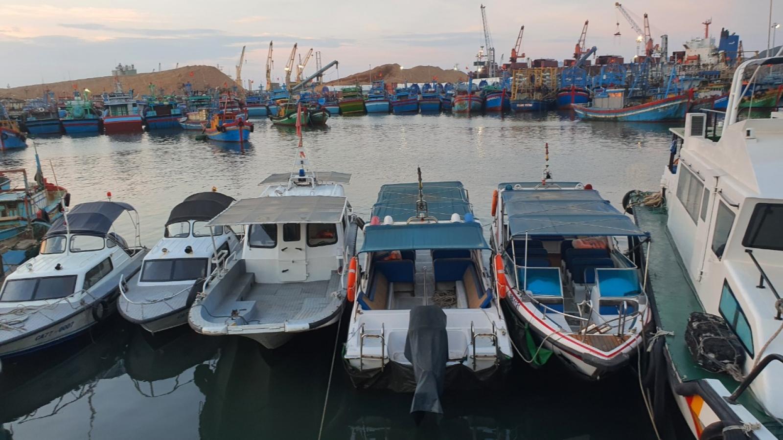 Hai tàu cá va chạm, 7 ngư dân thoát chết