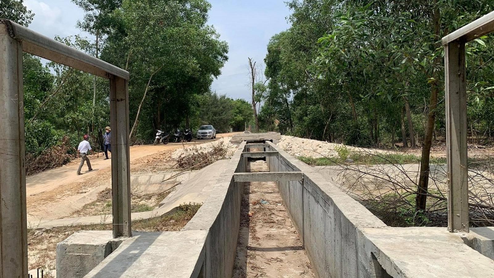 Thừa Thiên Huế: Hàng trăm hecta lúa chờ dự án thủy lợi