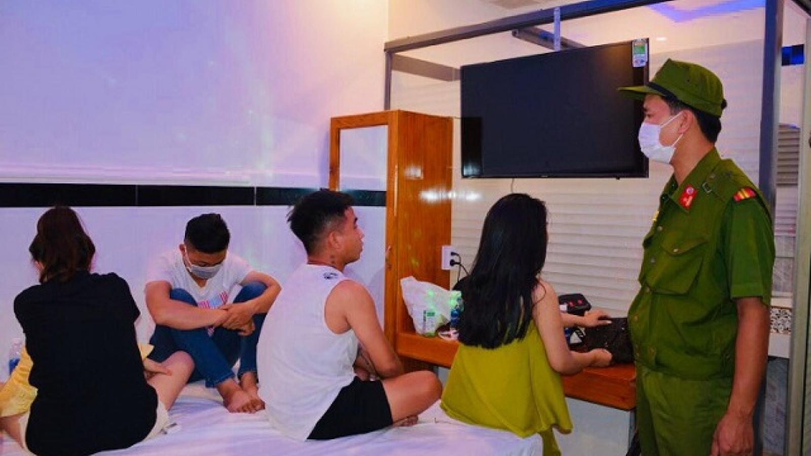 20 người tụ tập sử dụng ma tuý trong khách sạn