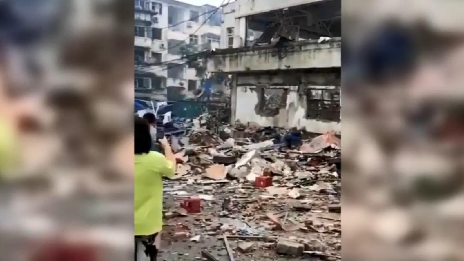 Hiện trường hãi hùng vụ nổ đường ống dẫn khí ở Trung Quốc khiến ít nhất 25 người chết