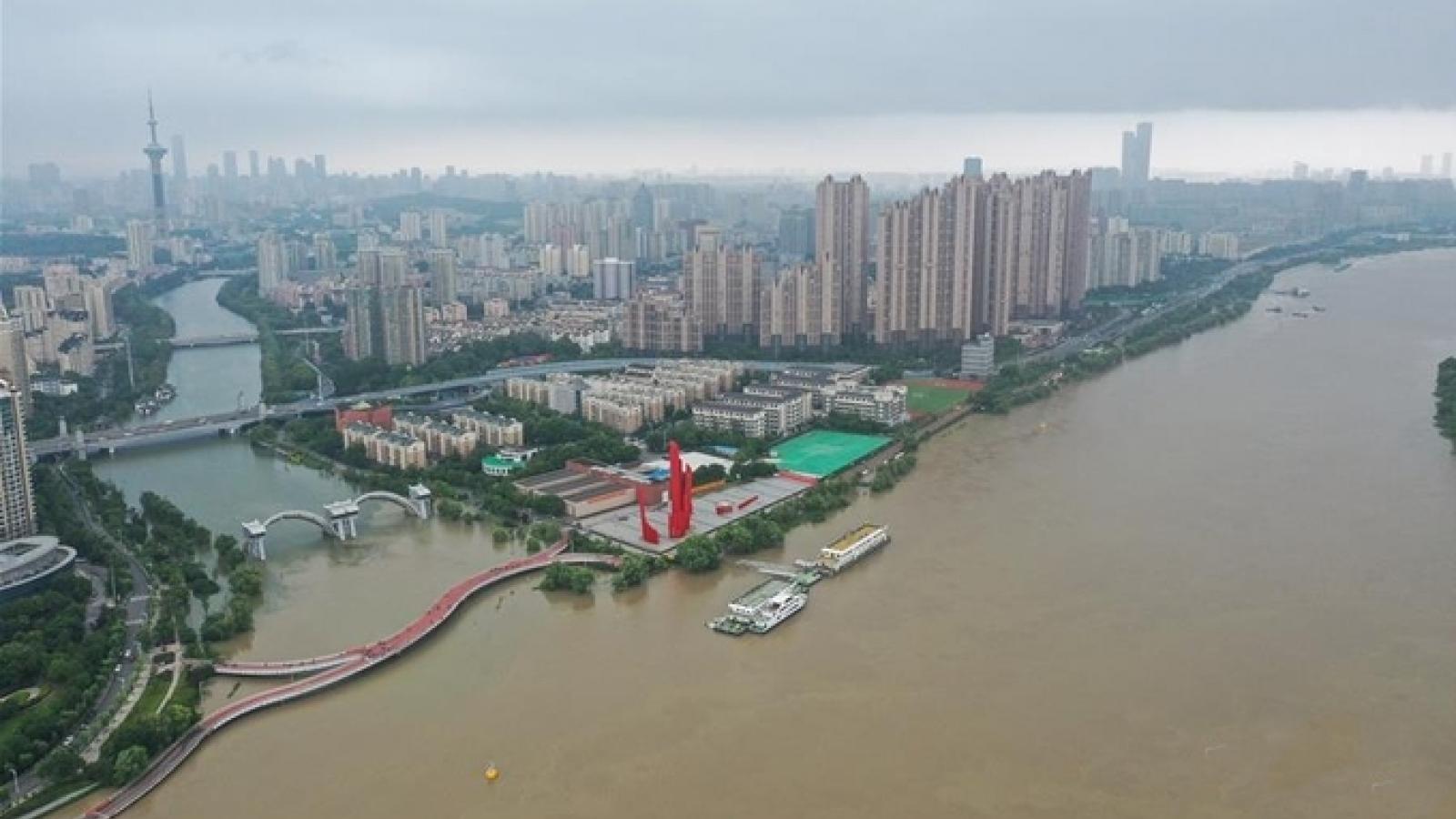 Trung Quốc ban bốcảnh báo vàng về mưa lớn tại khu vực trung và hạ du sông Trường Giang