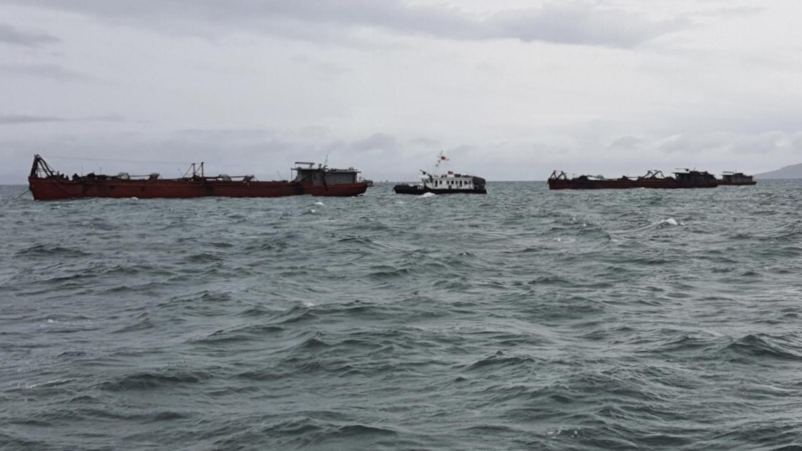 9 người nhập cảnh trái phép từ vùng biển Campuchia vào Việt Nam bằng xà lan
