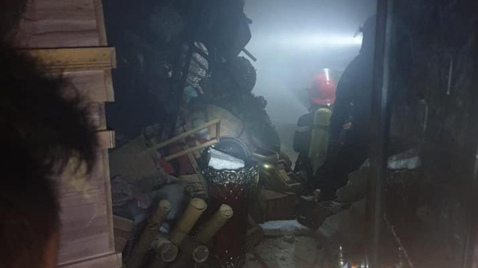Cháy cửa hàng hoa tại TP Vinh, 4 người trong gia đình kịp thoát ra ngoài