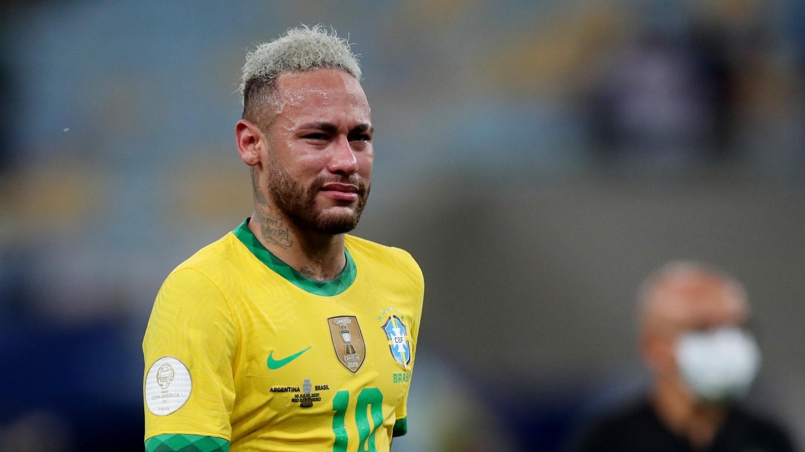 Neymar khóc nức nở khi Brazil thất bại trước Argentina ở chung kết Copa America 2021