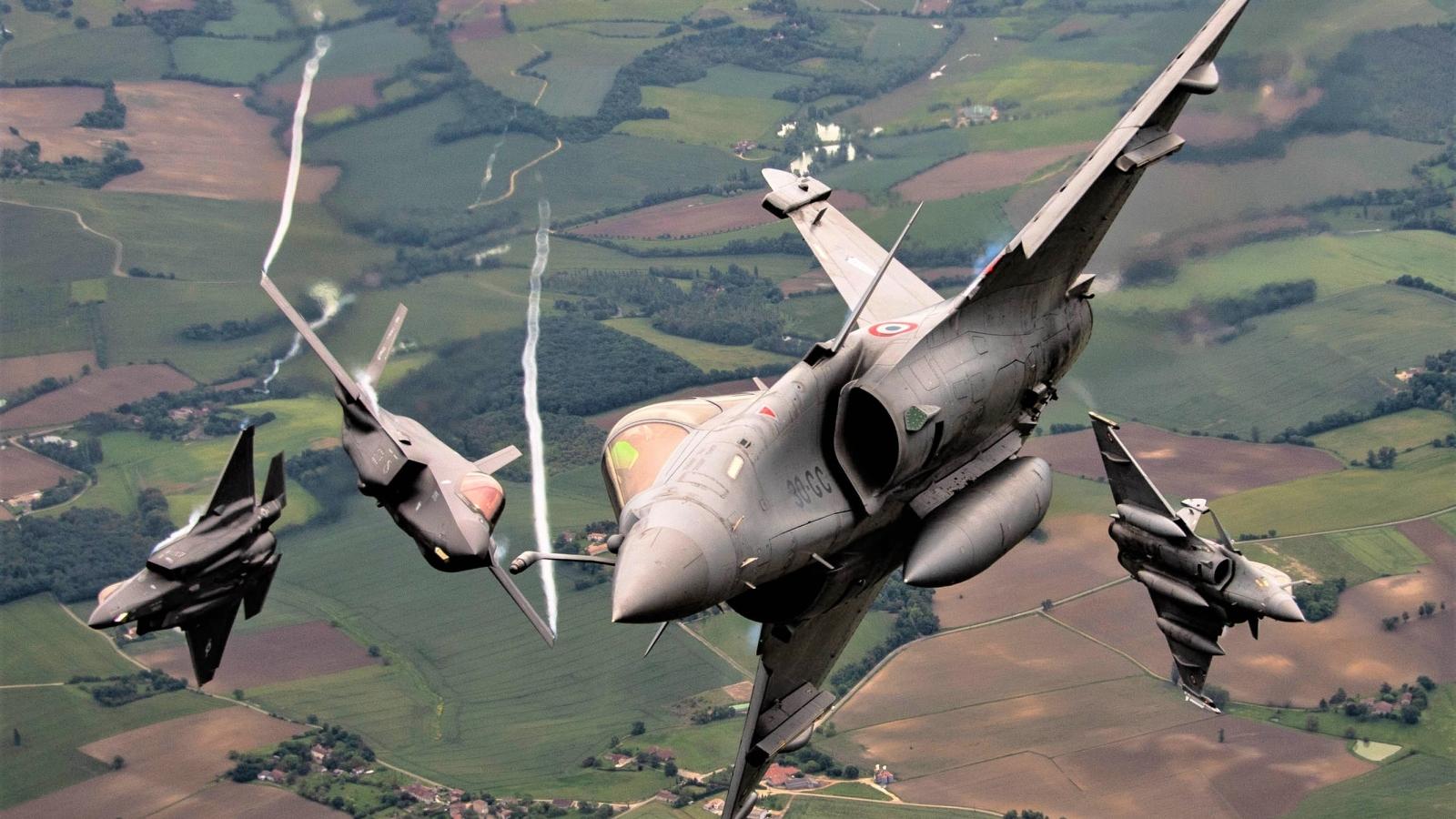Đằng sau quyết định của Thụy Sĩ khi mua máy bay tàng hình F-35A