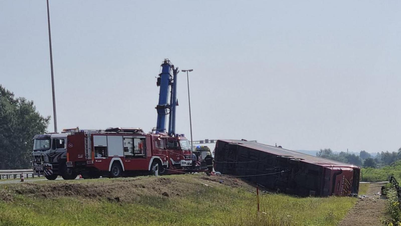 Xe buýt từ Đức đến Kosovo gặp nạn khiến 10 người thiệt mạng, 45 người bị thương