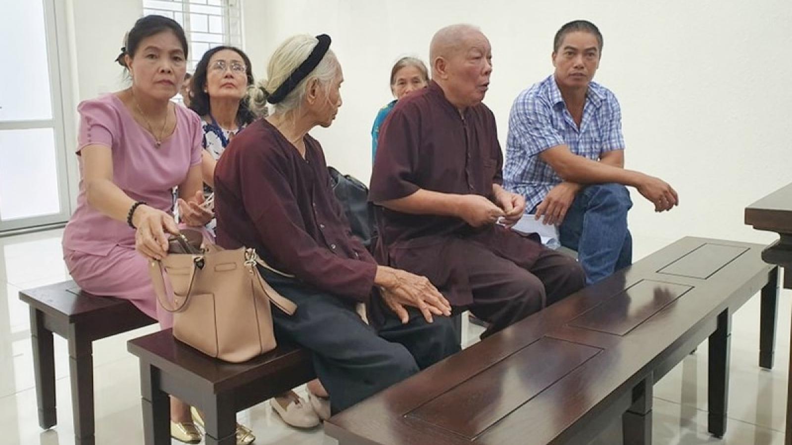 Vụ con dâu khai tử bố mẹ chồng: Khởi tố vụ án