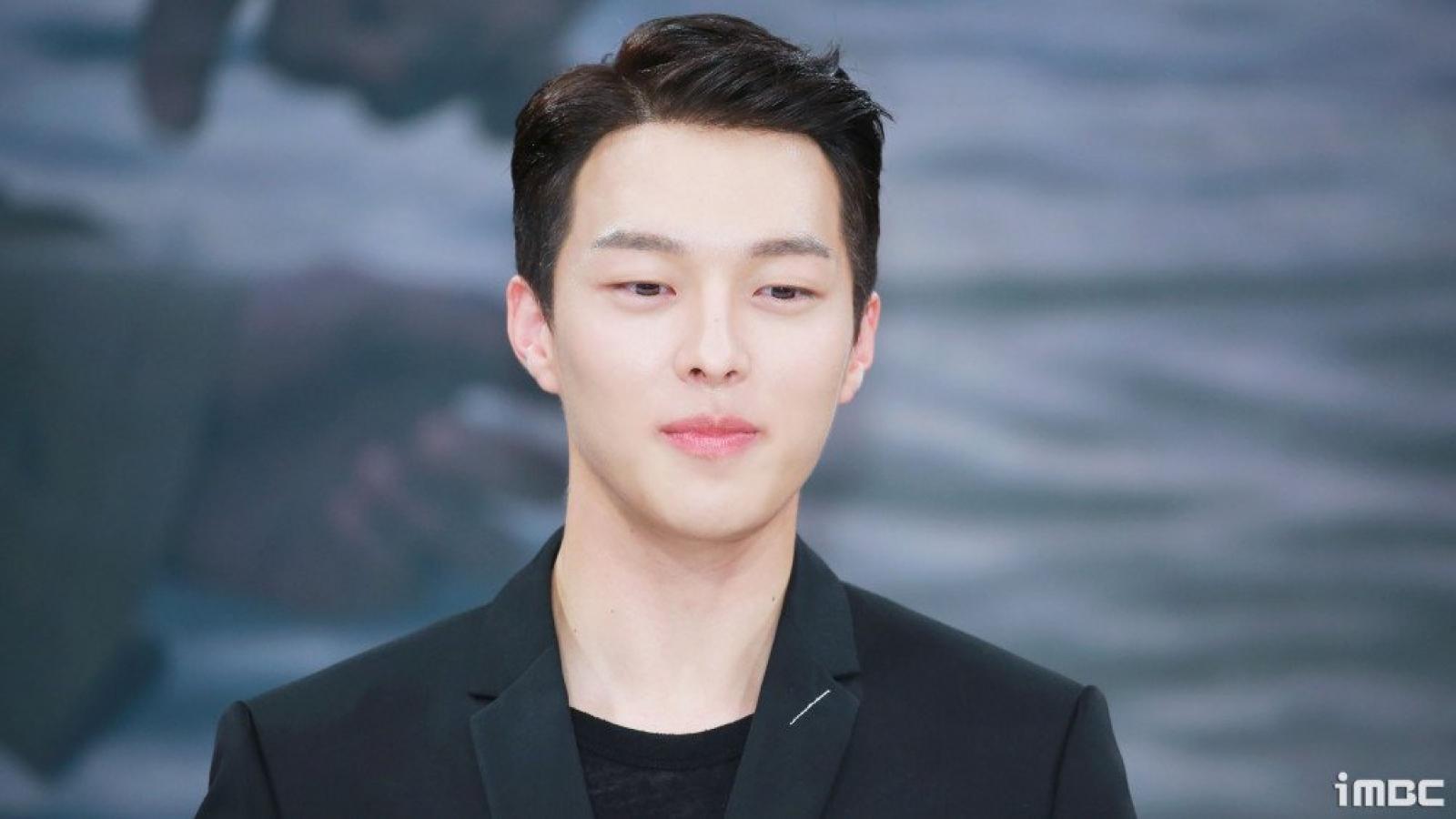 """""""Tình mới"""" của Song Hye Kyo - Jang Ki Yong xác nhận nhập ngũ"""