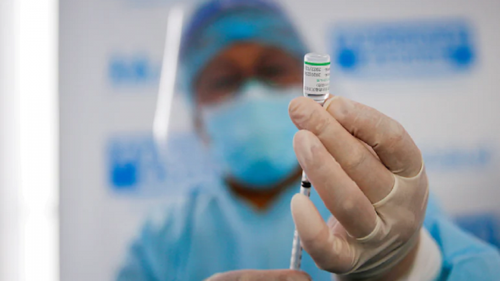Tiêm kết hợp và tiêm mũi nhắc lại vaccine ngừa Covid-19: còn nhiều tranh cãi