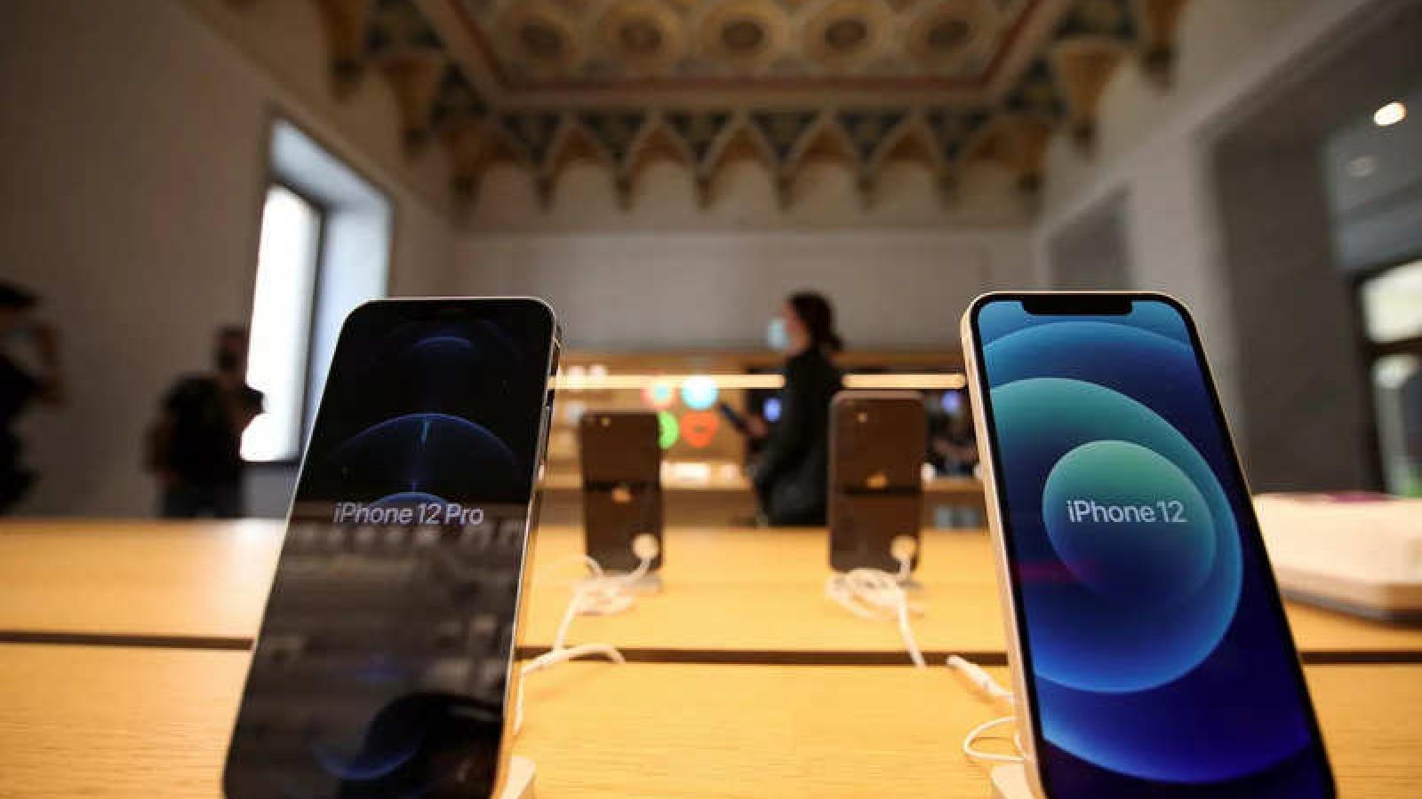iPhone 12 đắt nhất bán siêu chạy, Apple hốt bạc