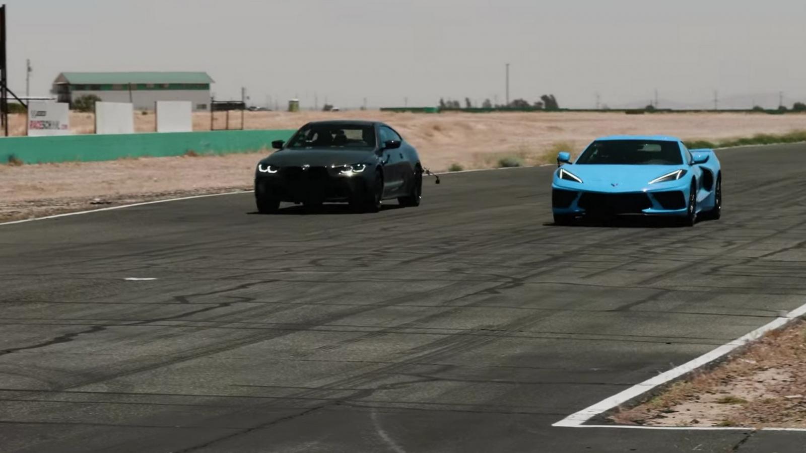 """BMW M4 Competition 2021 """"chạm trán"""" Chevrolet Corvette trên đường đua"""