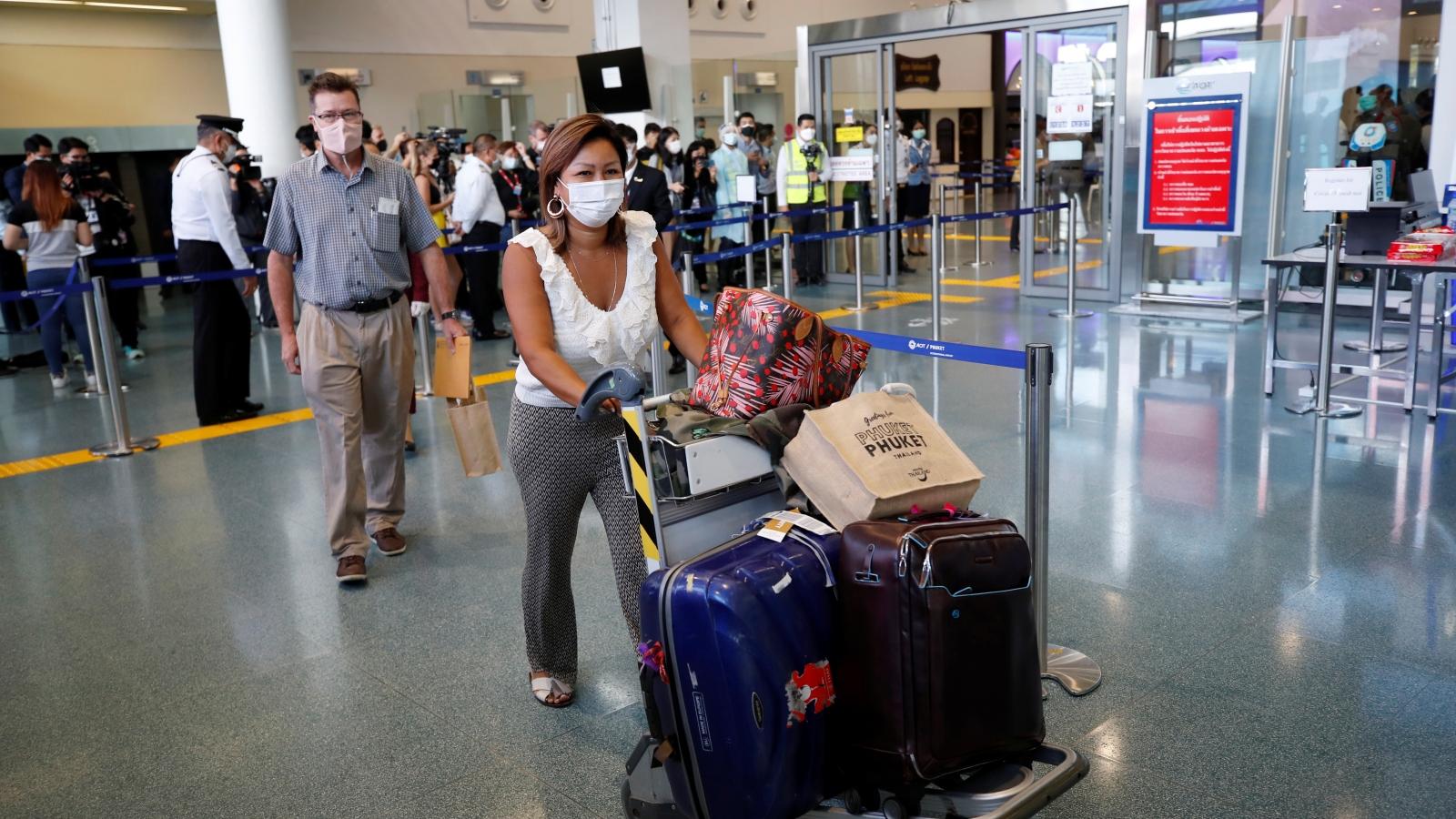 Vừa mở cửa du lịch, Thái Lan phát hiện du khách quốc tế mắc Covid-19