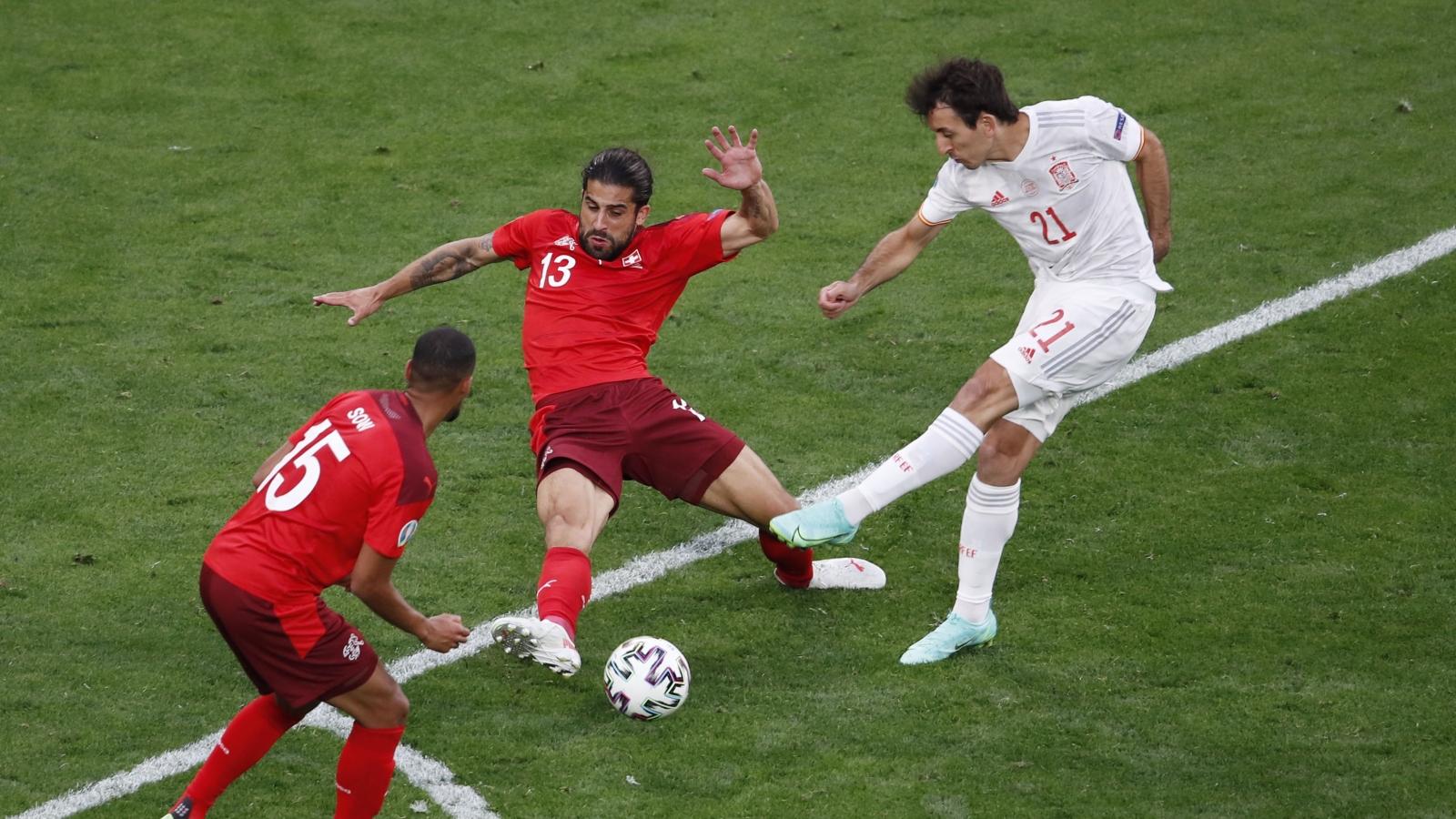 Những bàn thắng, khoảnh khắc ấn tượng vòng tứ kết EURO 2021
