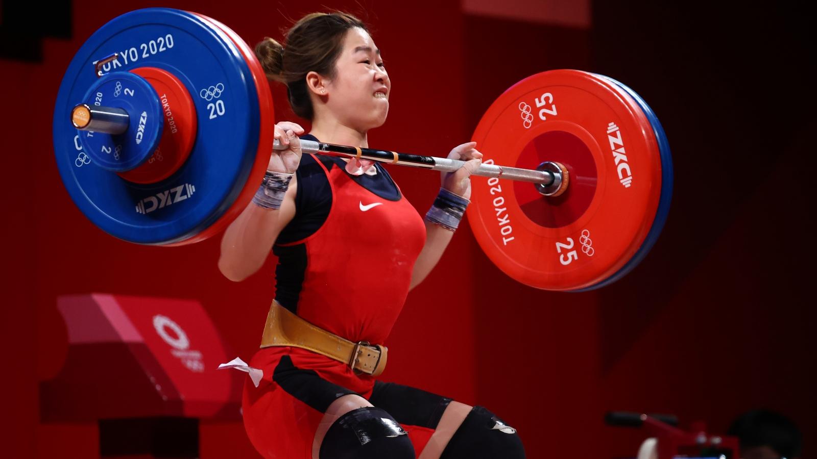 Vì sao VĐV cử tạ Hoàng Thị Duyên thi đấu không tốt ở Olympic Tokyo 2020?