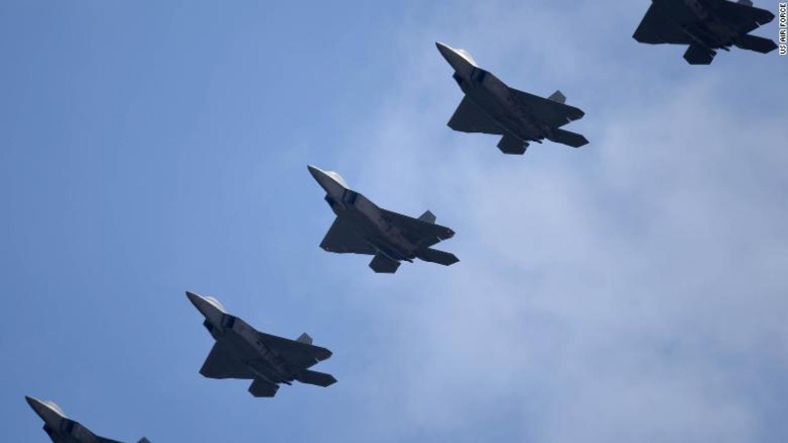 Mỹ điều hơn 20 chiến đấu cơ F-22 tới Thái Bình Dương để răn đe Trung Quốc?