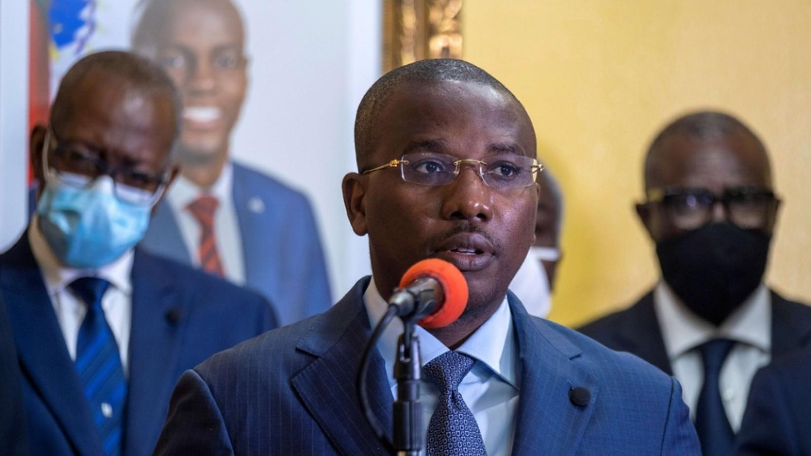 Thủ tướng lâm thời Haiti từ chức để chuyển giao quyền lực