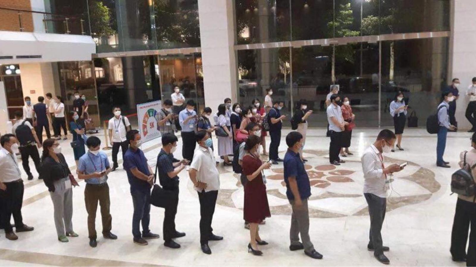 Toàn bộ đại biểu, phóng viên dự kỳ họp Quốc hội đều âm tính với SARS-CoV-2