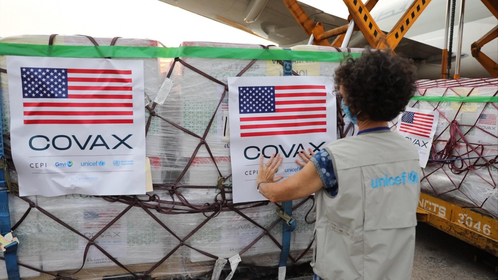 1,5 triệu liều vaccine COVID-19 Moderna đã về đến sân bay Nội Bài
