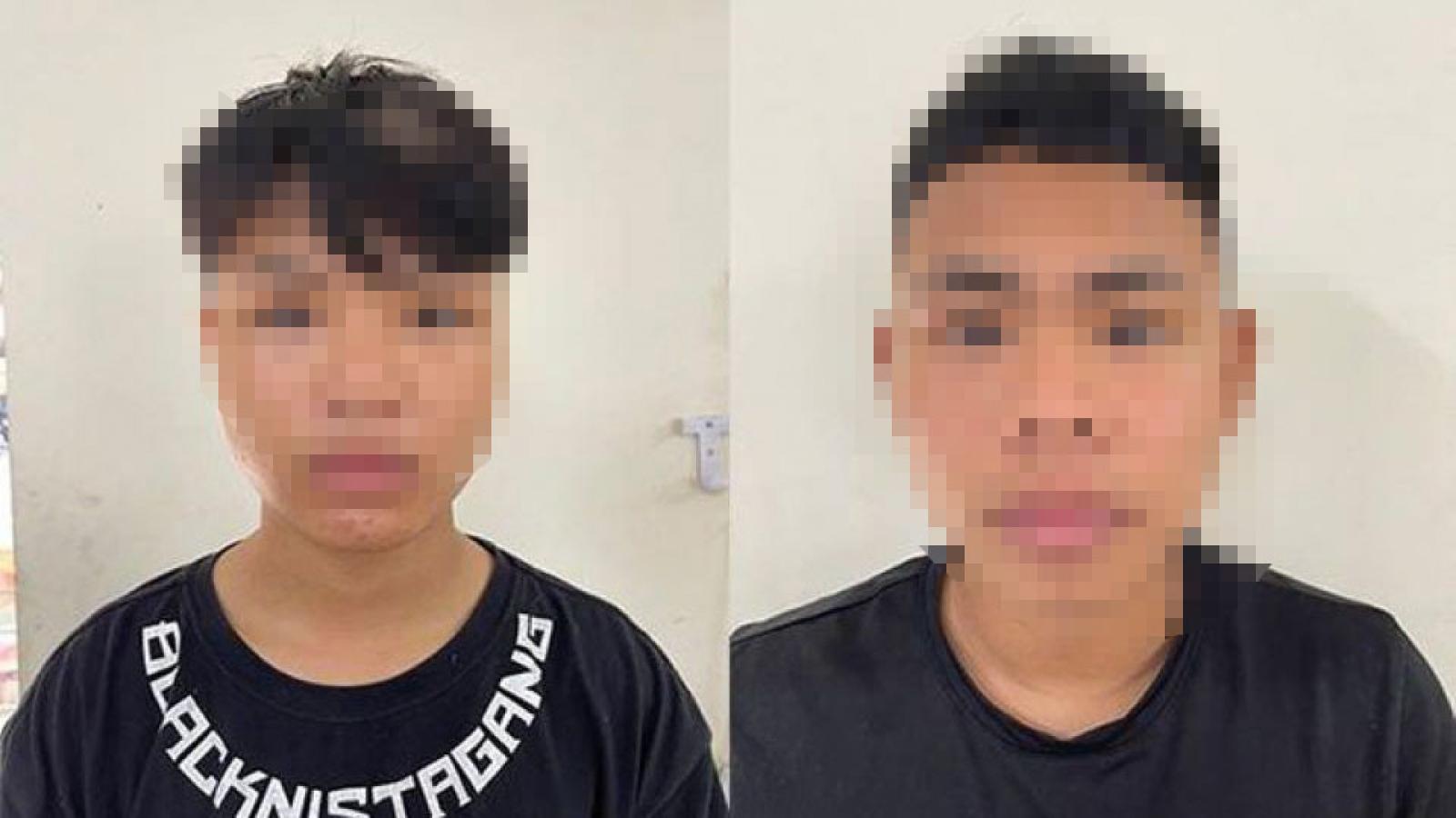 Nhận sửa điện thoại, 2 thanh niên dùng clip nhạy cảm để tống tiền