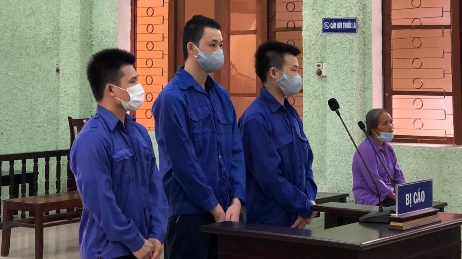 Tổ chức cho người khác xuất cảnh, nhập cảnh trái phép 4 đối tượng lĩnh án 23 năm tù