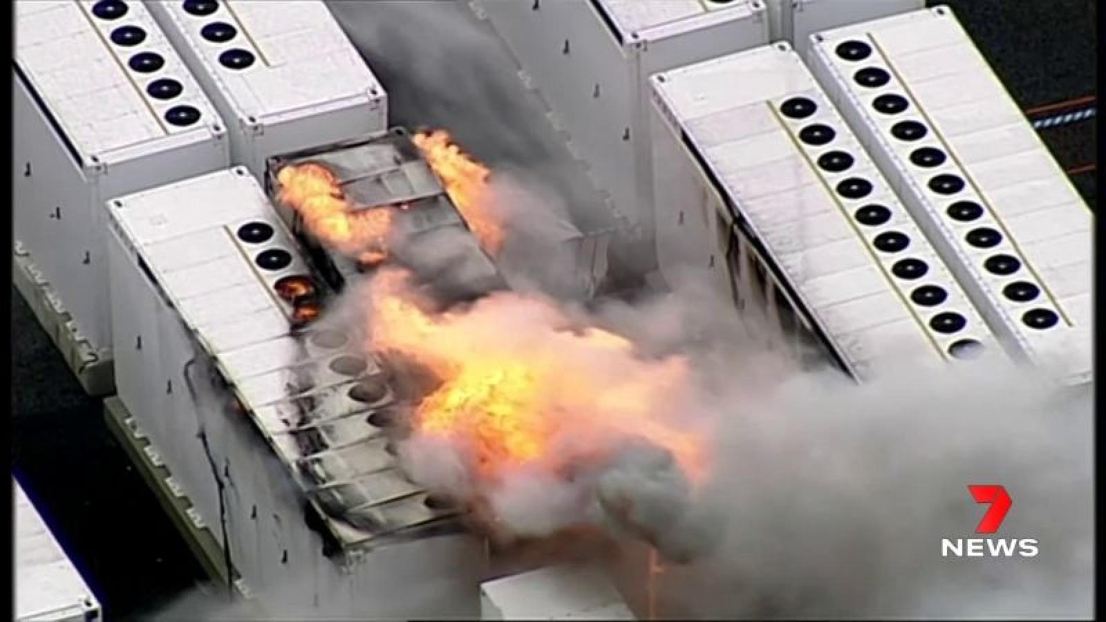 Khối pin Megapack bốc cháy tại cơ sở pin của Tesla ở Úc
