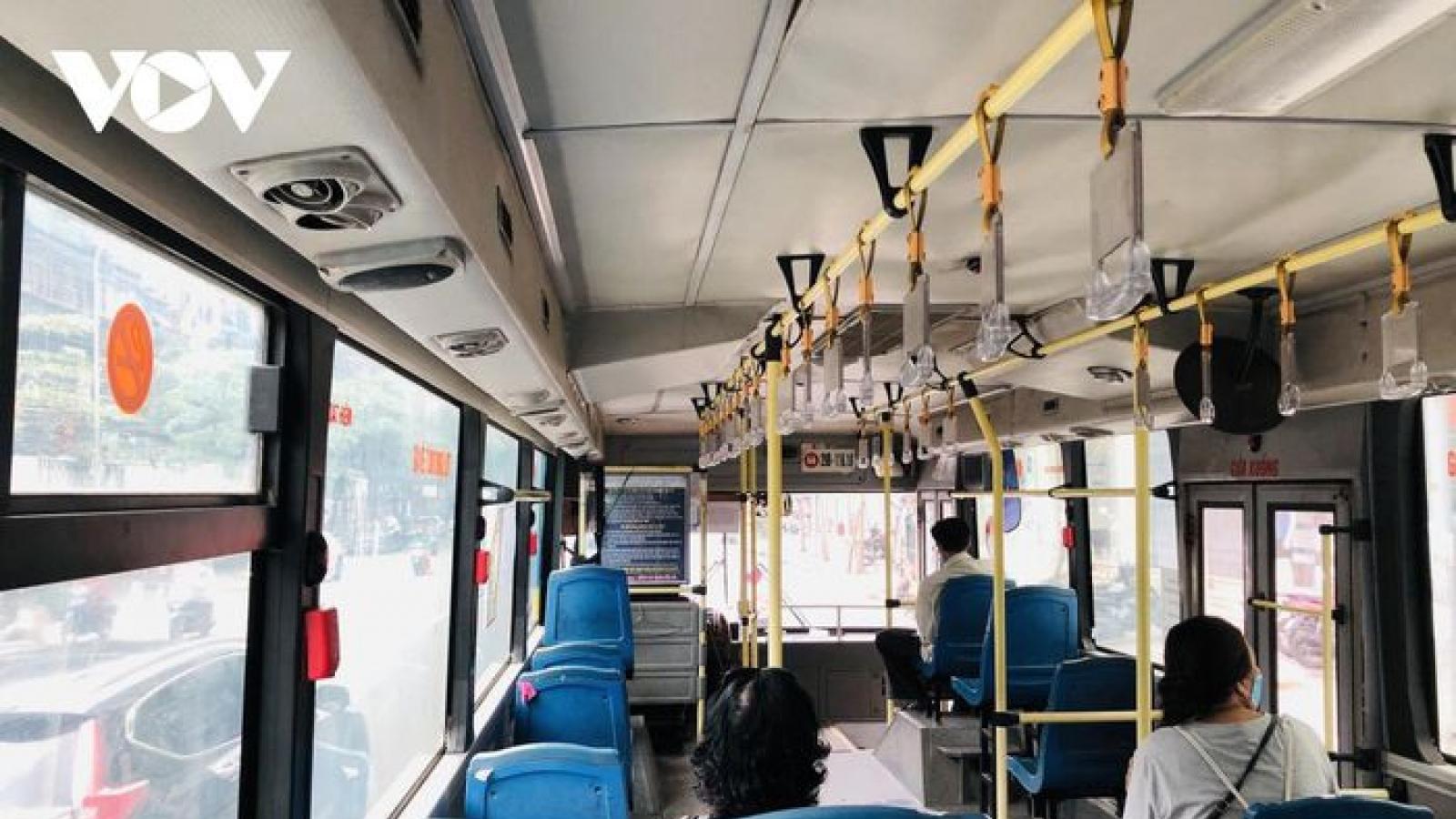 CDC Hà Nội đề xuất xét nghiệm tài xế, nhân viên soát vé xe buýt