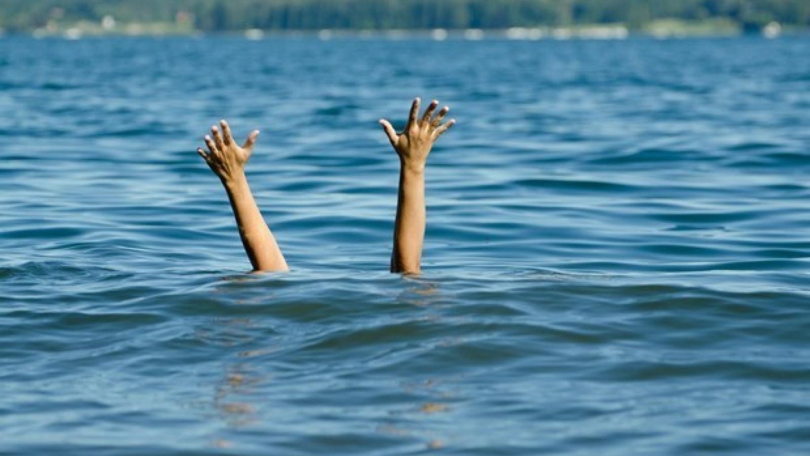 Hai chị em họ ở Mường Lay (Điện Biên) tử vong thương tâm do đuối nước
