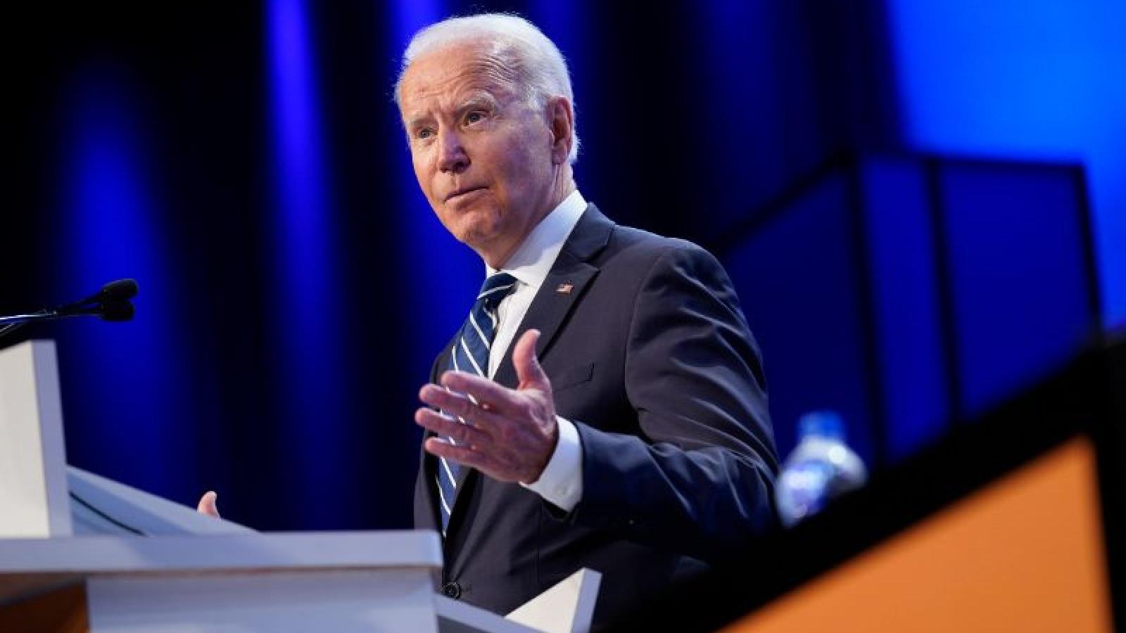 Ông Joe Biden thúc đẩy luật mới có lợi cho người tiêu dùng
