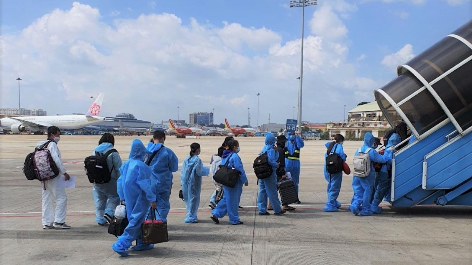 Từ ngày 22/7, đường bay TP.Hồ Chí Minh-Hà Nội chỉ khai thác 2 chuyến/ngày