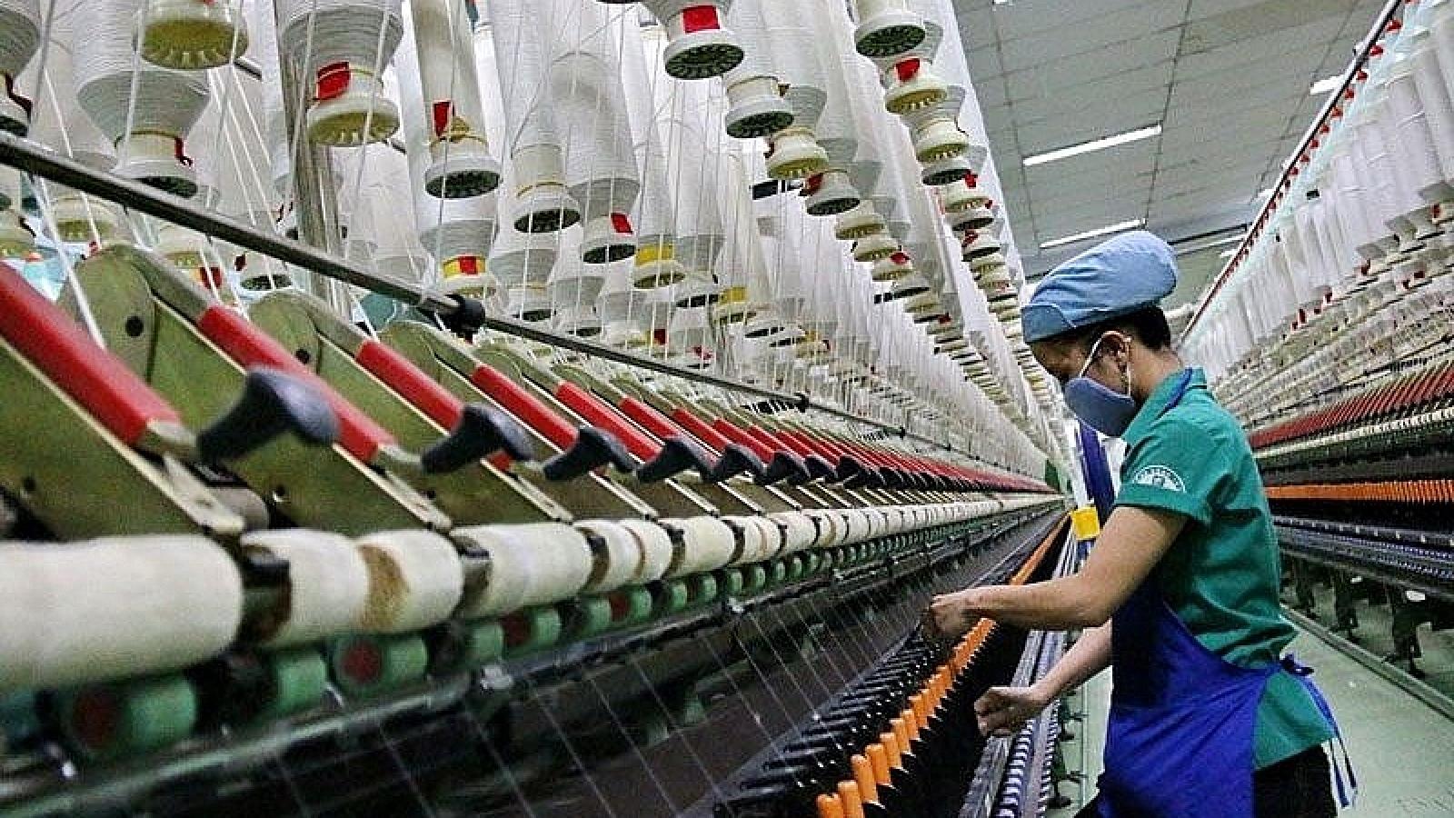 Vietnam posts trade deficit of US$1.47 billion over six-month period