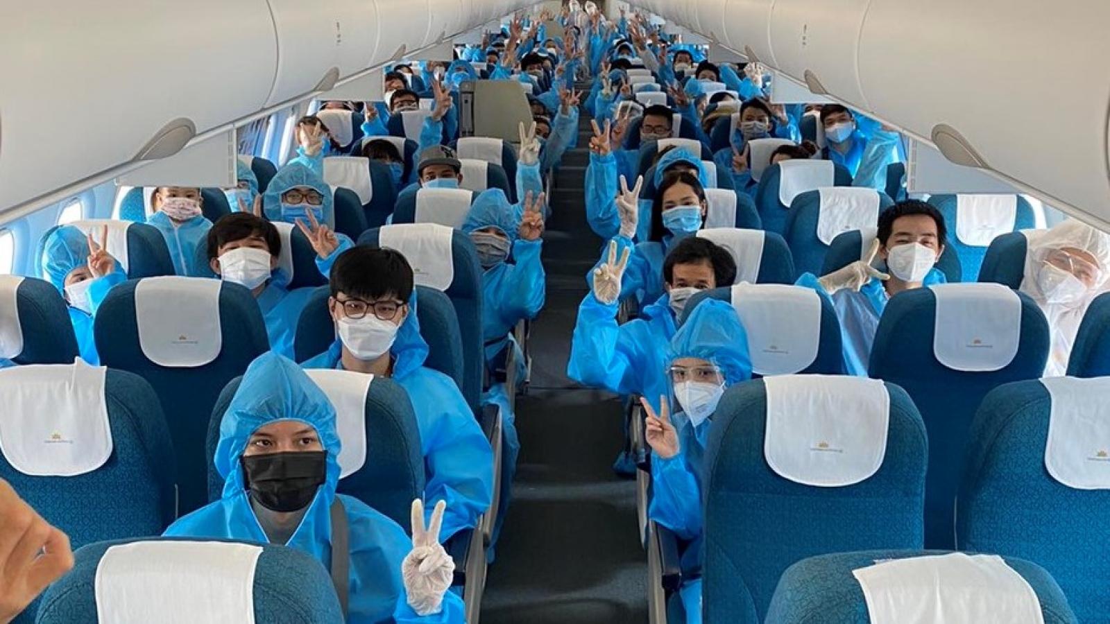 3 chuyến bay đặc biệt đưa hơn 600 người dân từ TP.HCM trở về Đà Nẵng