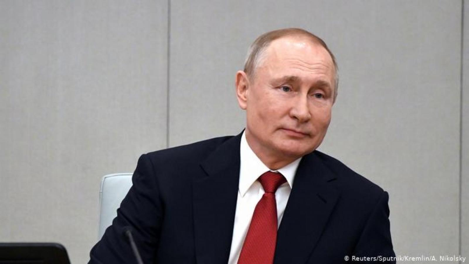 Tổng thống Nga yêu cầu tăng tốc độ tiêm chủng ngừa Covid-19