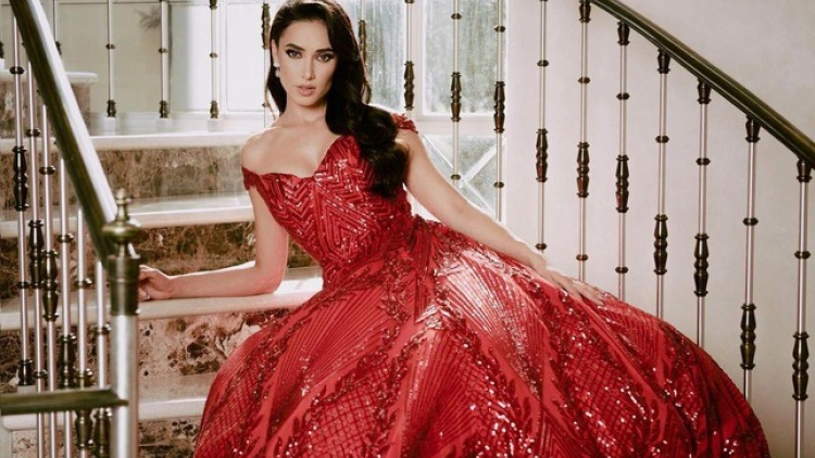"""Nhan sắc ngọt ngào của Hoa hậu Mexico - """"Đối thủ"""" đáng gờm của Đỗ Thị Hà tại Miss World"""