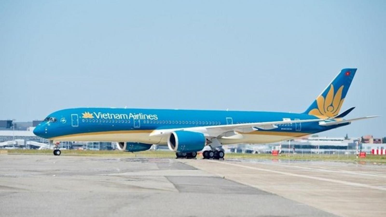 Two Hanoi-HCM City round-trip flights run daily starting July 22