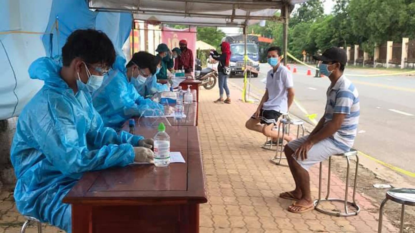 Bình Dương phát hiện gần 2.000 F0, Bình Phước xây 2 bệnh viện dã chiến mới