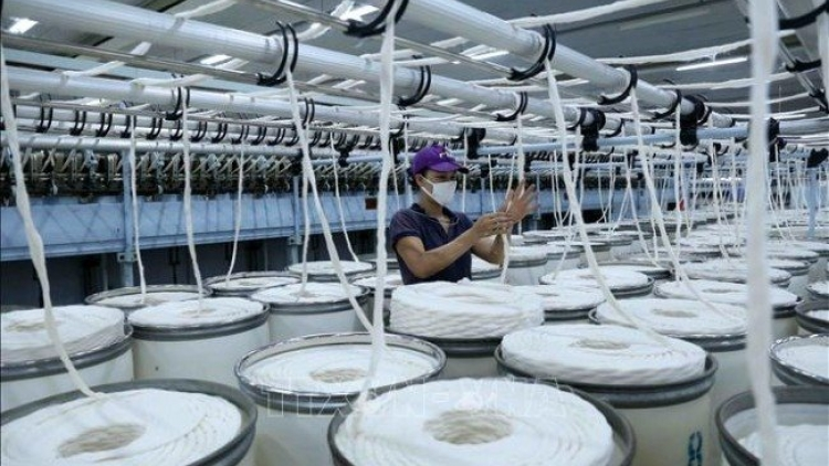 HSBC points out three challenges for Vietnam's economy in H2