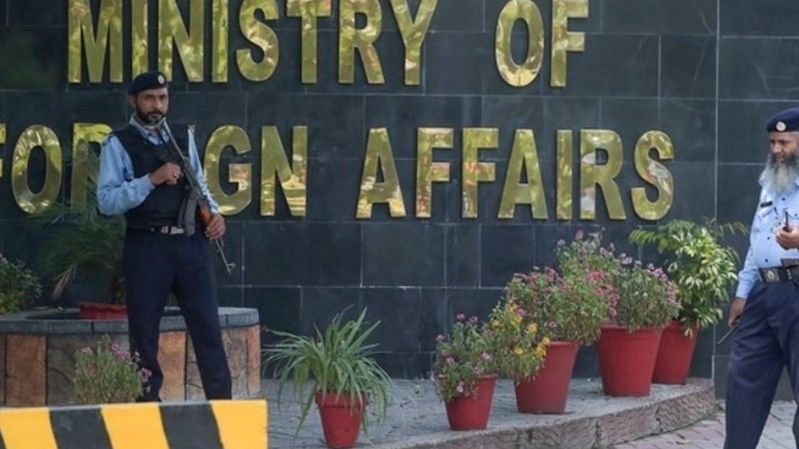 Afghanistan triệu hồi Đại sứ và toàn bộ nhân viên ngoại giao tại Pakistan về nước