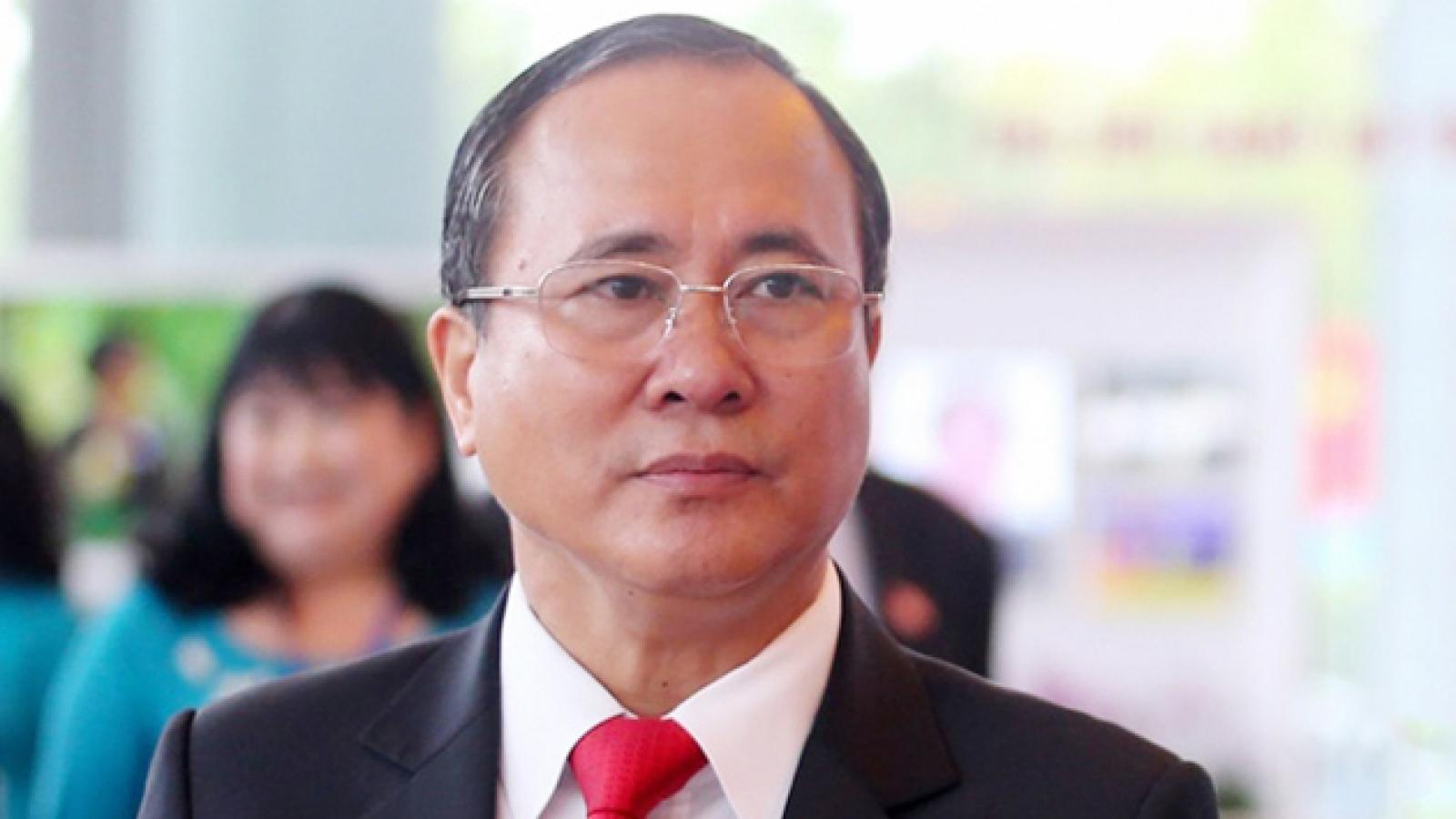 Cách chức tất cả các chức vụ của Bí thư Tỉnh ủy Bình Dương Trần Văn Nam