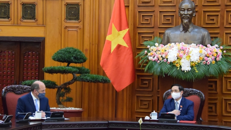 Vietnam desires UK to transfer vaccine production technology soon