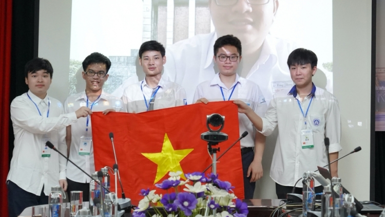 All six VN students win medals at Int'l Maths Olympiad 2021