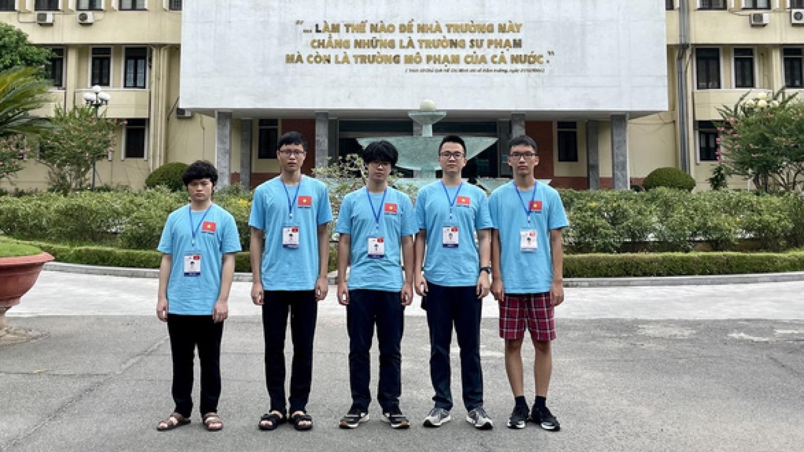 Vietnam scores a big win at 2021 Int'l Physics Olympiad